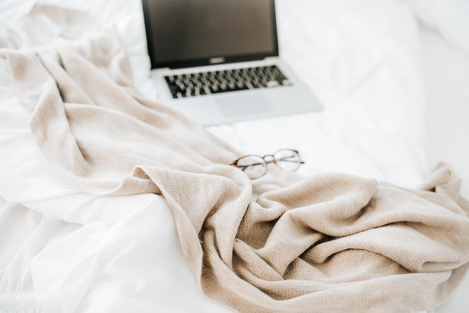 Cozy Workday - B026